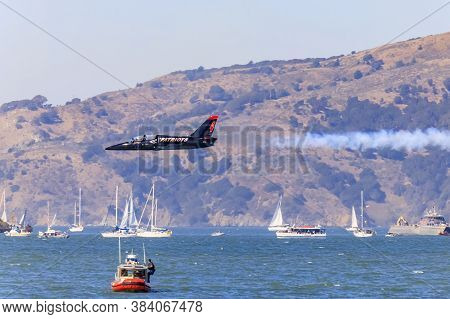 San Francisco, Usa - October 7, 2017: Patriots Jet Team Aerobatic Team Aero L-39 Albatros Jet Flying