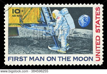 United States - Circa 1969: A Stamp Printed In Usa Shows Neil Armstrong, First Step On The Moon, Cir
