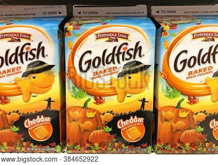 Alameda, Ca - Sept 7, 2020: Grocery Shelf With Packages Of Goldfish Cheese Crackers. Goldfish Are Fi