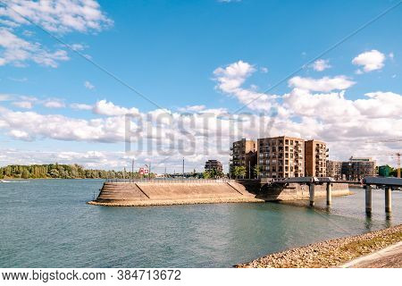 Mainz, Rheinland-pfalzgermany August 2020 , New Just Built Structures Apartment Condo At Port On Riv
