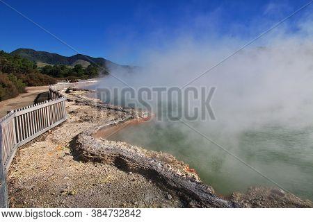 Wai-o-tapu Geothermal Park, Rotorua, New Zealand