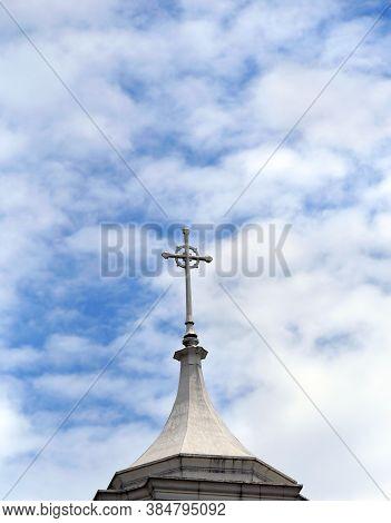 Steeple Topper Of Second Presbyterian