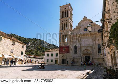 Hvar Croatia - 16 August 2020: Main Square Of Hvar Town With Walking People. Dalmatia Region, Croati