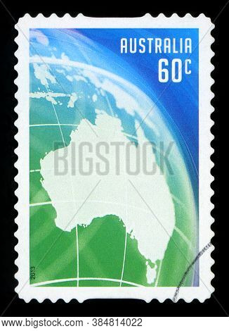 Australia - Circa 2013: A Stamp Printed In The Australia Shows Map Of Australia, Australia Day, Circ