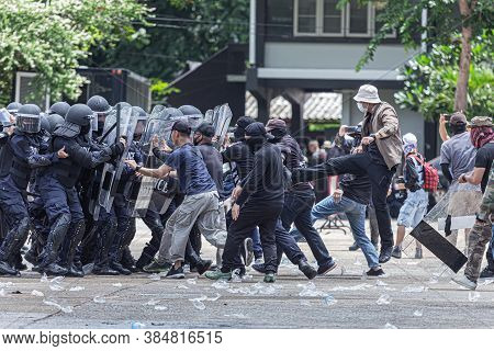 The Fight Between Citizens And The Police In The Insurgency,uprising,people Causing Rioting Against