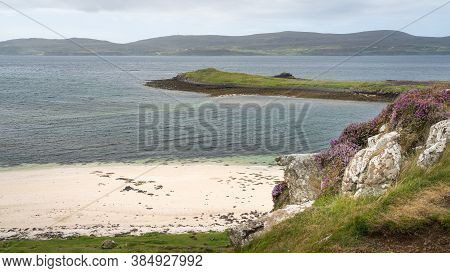 View Of Coral Beach And Surrounding Nature At Low Tide On The Isle Of Skye, Scotland. Beautiful Whit