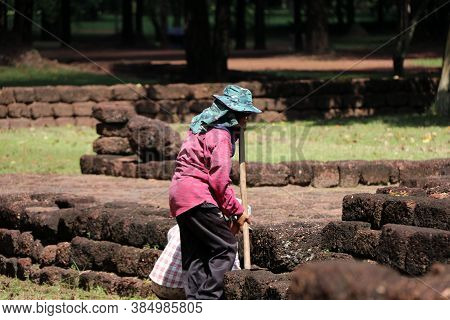 Sri Thep, Petchaboon, Thailand, Sep 06, 2018: Workers Are Clearing Weeds Grass For Renovate Area Of