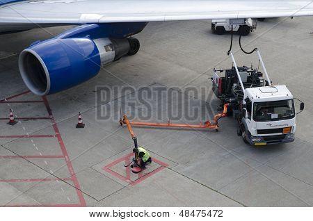 Airplane Refuelling