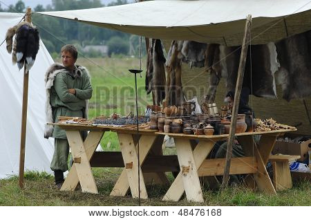 Trading Clayware In 1572