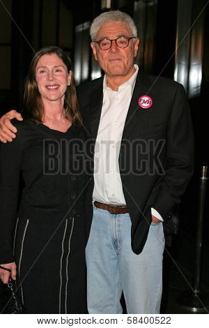 LOS ANGELES - NOVEMBER 2: Lauren Shuler Donner and Richard Donner at the Screening of
