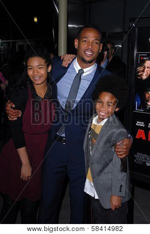 Marlon Wayans and children at
