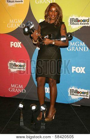 LAS VEGAS - DECEMBER 04: Mary J Blige in the press room at the 2006 Billboard Music Awards, MGM Grand Hotel December 04, 2006 in Las Vegas, NV