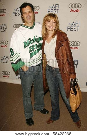 HOLLYWOOD - NOVEMBER 10: Sharon Lawrence and husband Tom at the AFI Fest 2006 Screening of