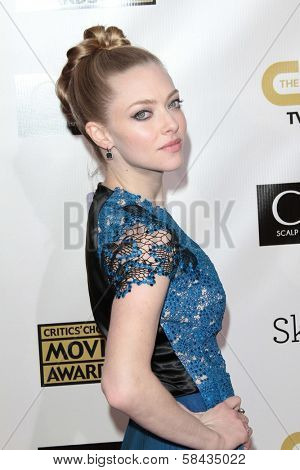 Amanda Seyfried at the 18th Annual Critics' Choice Movie Awards Arrivals, Barker Hangar, Santa Monica, CA 01-10-13