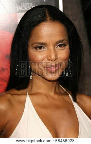 BEVERLY HILLS - DECEMBER 05: Victoria Rowell at the World Premiere of
