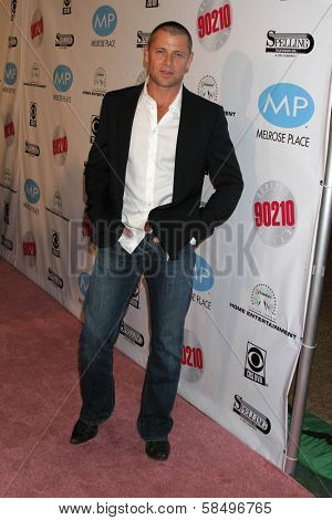 BEVERLY HILLS - NOVEMBER 03: Grant Show at the