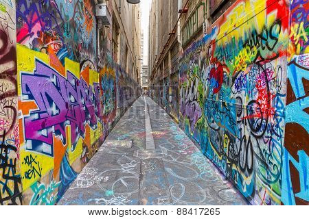 Melbourne graffiti in narrow alley