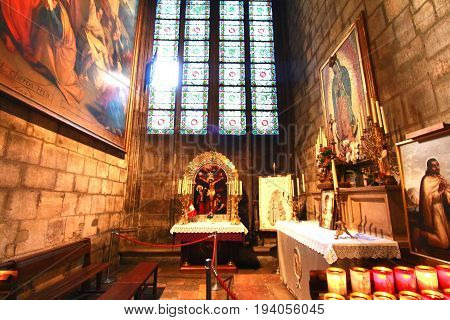 Paris , France : June 19,2017,  Notre-dame De Paris Is  A Historical Monument And The World Famous C