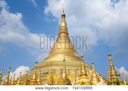 Beautiful golden Shwedagon pagoda (Shwedagon Zedi Daw) famous landmark and travel destination of Yangon Myanmar