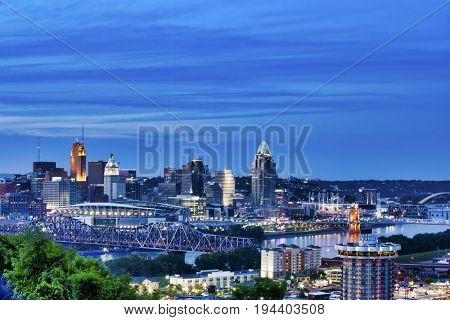 Cincinnati, Ohio and Covington, Kentucky sit on either side of the Ohio river