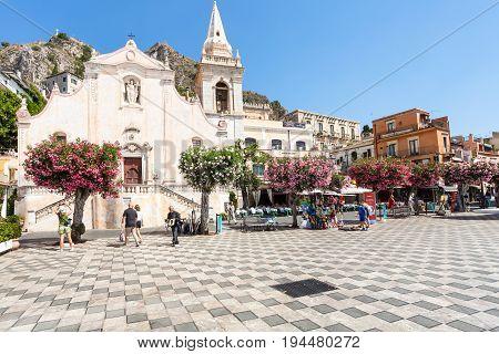 People On Square Piazza 9 Aprile In Taormina