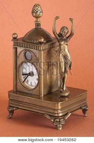 antique mantel clocks