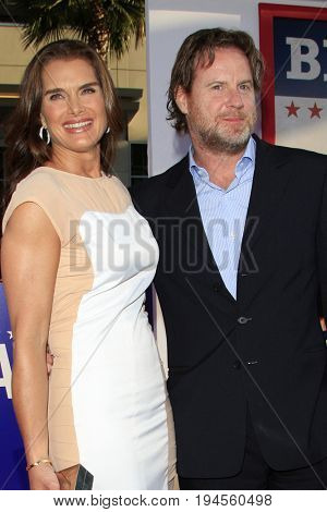 LOS ANGELES - AUG 2:  Brooke Shields, Chris Henchy at the