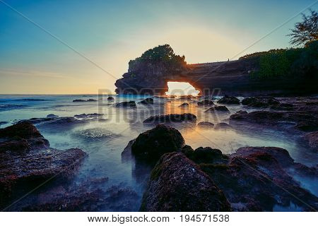 Wonderful Evening With Sunlight And Seascape At Tanah Lot In Bali Island Indonesia