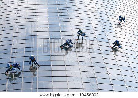 Six window washers