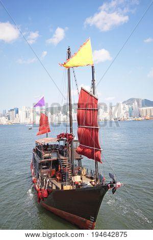 junk boat in hongkong at day