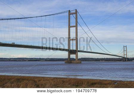 Humber Bridge ,suspension bridge crossing river Humber connecting Immingham with hull, UK