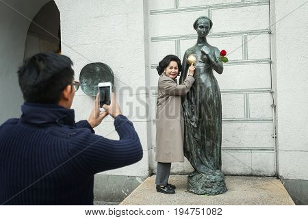 Juliet Statue In Munich