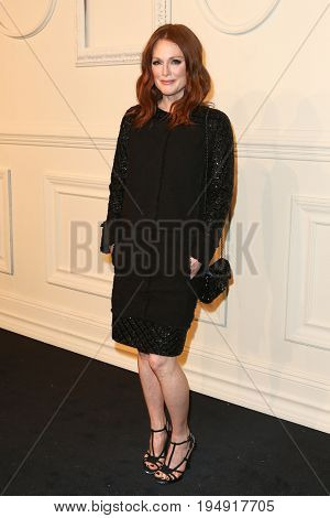 NEW YORK-MAR 31: Actress Julianna Moore attends the CHANEL Paris-Salzburg 2014/15 Metiers d'Art Show and Party at the Park Avenue Armory on March 31, 2015 in New York City.