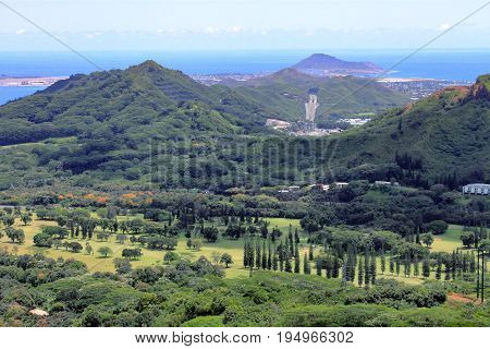 Landscape view from Nu'uanu Pali Lookout, Oahu, Hawaii poster