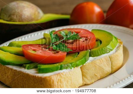 Open Sandwich Style For Breakfast Or Lunch. Sandwich Spread With Cream Cheese, Avocado, Tomato And P