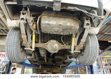 Thai Mechanic Professional Motor Repair And Maintenance Change Oil And Check Availability Of Car At