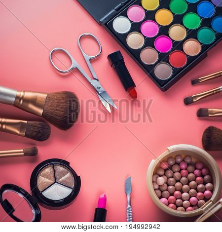Beauty Colored Cosmetic Palette With Brush