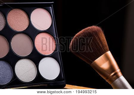 Set Cosmetics Makeup, Brush And Palette