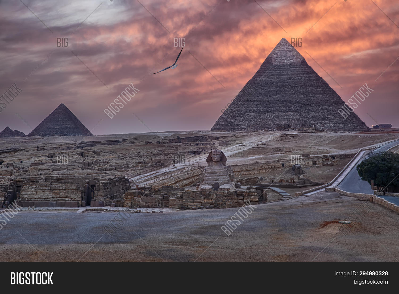 Pyramids Giza Sphinx Image & Photo (Free Trial) | Bigstock