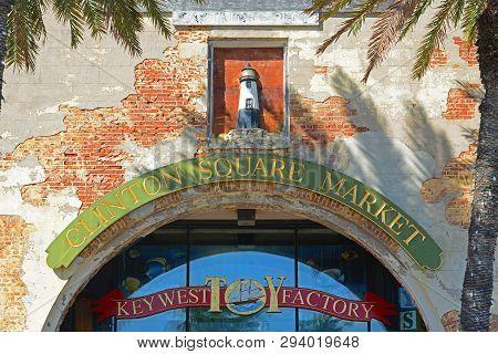 Key West, Fl, Usa - Dec 20, 2012: Clinton Square Market At Downtown Kew West, Florida, Usa.