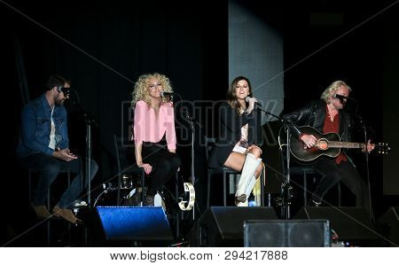 LAS VEGAS - APR 5: Little Big Town attends the ACM Stories, Songs & Stars at the Marquee Ballroom at the MGM Grand Hotel & Casino on April 5, 2019 in Las Vegas, Nevada.