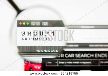 Los Angeles, California, Usa - 8 April 2019: Illustrative Editorial Of Group 1 Automotive Website Ho