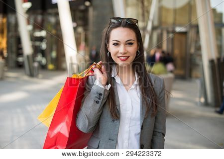 Business woman shopping after work