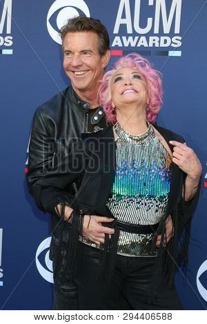 LAS VEGAS - APR 7:  Dennis Quaid, Tanya Tucker at the 54th Academy of Country Music Awards at the MGM Grand Garden Arena on April 7, 2019 in Las Vegas, NV