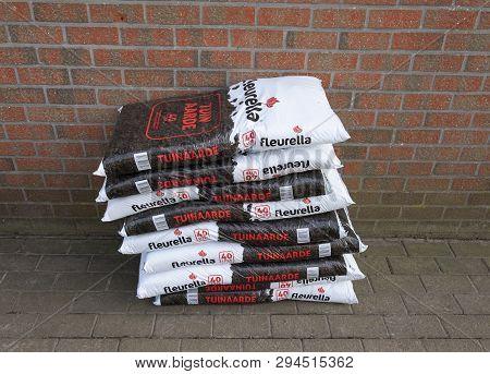 Belgium, Sint Gillis Waas 31 March 2019, 9 Bags Of Garden Soil 40 Liter
