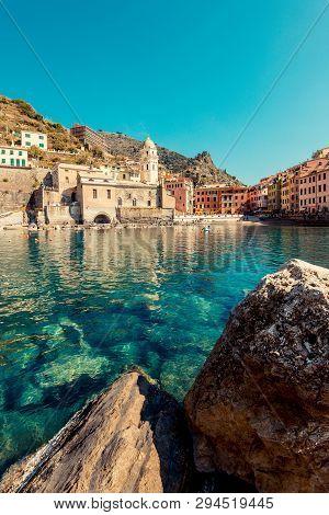 Vernazza, Italy - March, 2019: Tourists Boat Enter In The Port Of Vernazza, Cinque Terre (italian Ri