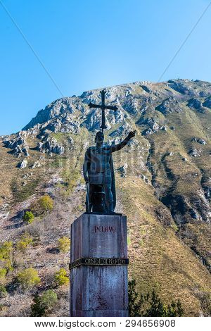Covadonga, Spain - March 31, 2019: The Statue Of The King Pelayo. Pelagius Was A Visigothic Nobleman