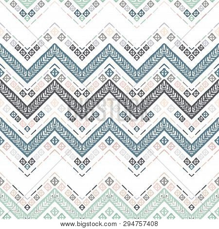Seamless Ethnic Zigzag Chevron Pattern. Vector Illustration.