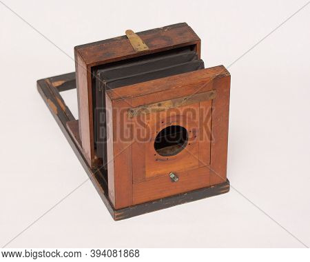 Antique Wooden Camera From The 1870s. Wet Plate Camera.
