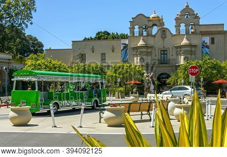 San Diego,ca - April 4,2014: Beautiful Architecture Of Balboa Park. Tourists Destination,there Are A